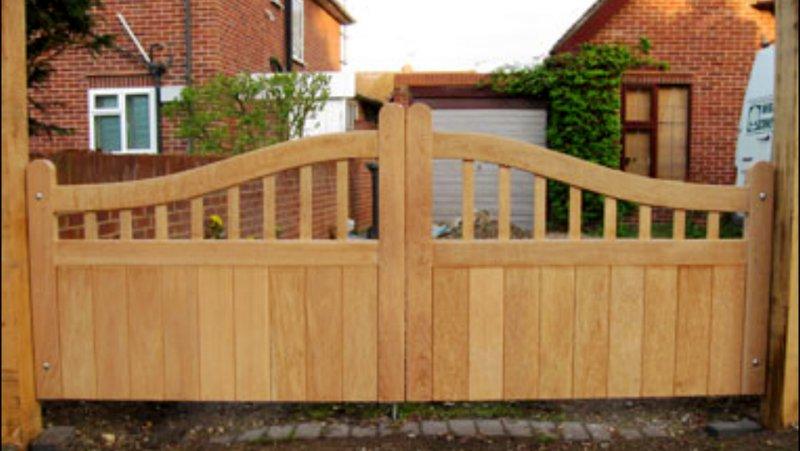 timber_gate.jpg